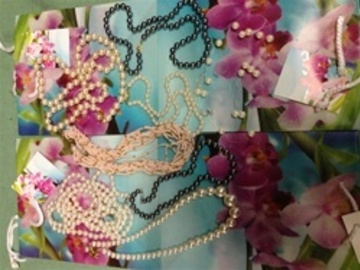 Liquidation/Wholesale Lot: Pearl Treasure Chest-- 400 pcs Pearl Necklaces-BUY 2 GET 1 FREE!