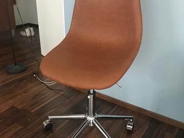 Myydään: Excellent condition desk chair