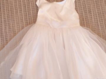 Ilmoitus: Myydään morsiustytön mekko ja takki