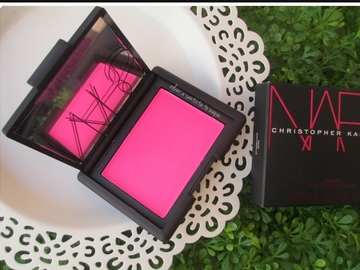 Buscando: Colorete nars Christopher kane.