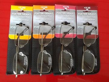 Bulk Lot: 1 pc Foster Grant reading glasses & case Retails for $27.99