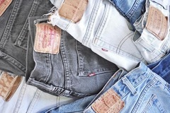 Bulk Lot: 50 PAIRS OF LEVI'S JEANS WHOLESALE LOT! MEN + WOMEN