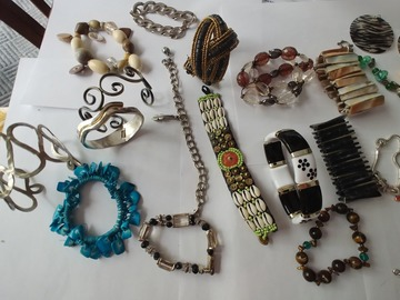 Bulk Lot: Gorgeous 67 Lot Mixed Wholesale Jewelry for Resale