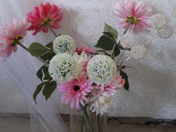 Ilmoitus: Kukkia