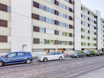 Renting out: Valoisaa työhuonetilaa Tehtaankatu 10:ssä!