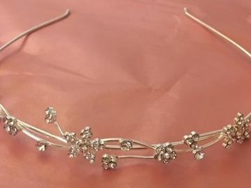 Ilmoitus: Siro kukallinen tiara