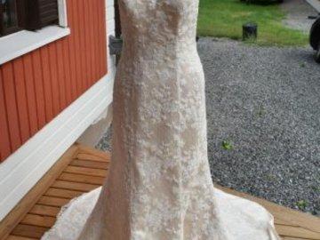 Ilmoitus: Sincerity Bridal Hääpuku koossa 38/40