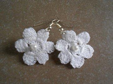 Vente au détail: Boucles d'oreille fleur dentelle,bijoux crochet/cadeaux pour