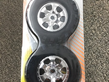 Selling: HPI amounted Gt2 Savage Tires