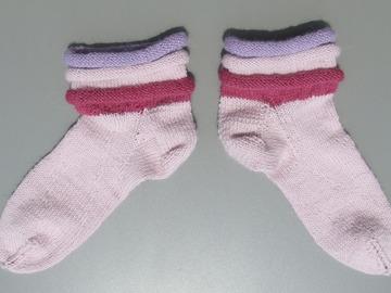 Sale retail: Socquettes à bords roulottés