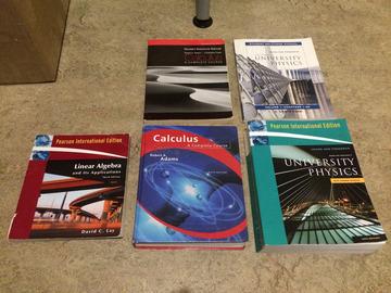 Myydään: Math and physics textbooks
