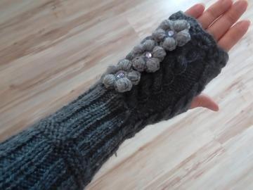 Vente au détail: Mitaines en laine,mitaines longues en laine, gants grise lon