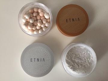 Venta: Etnia, meteoritos iluminadores y polvos de sellar