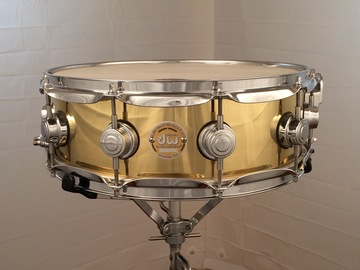 Selling with online payment: DW 5.5x14 heavy Brass snare drum $400 price lowered