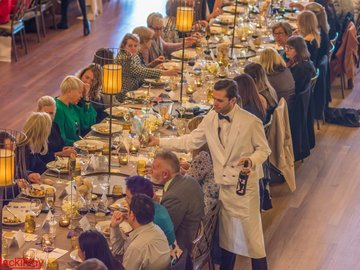 Selling : Celebration Women - Long Table Lunch
