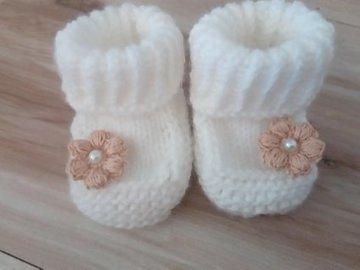 Vente au détail: Chaussons pour filles bébé/Chaussons bébé en laine blanc,l/c