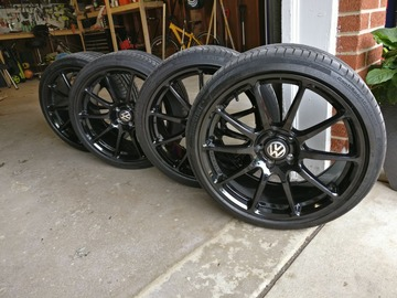 Selling: Neuspeed RSE102 19x8.5 (5x112) wheels w/ tires - ALMOST NEW