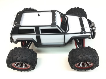 Selling: Used Traxxas 1/16 scale Summit VXL RTR