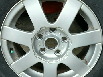Selling: Passat (B5) VW OEM 5x112 alloy wheels with Michelin Tires