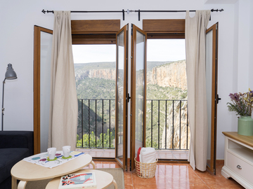 Accommodation: Miralrio Apartments Chulilla