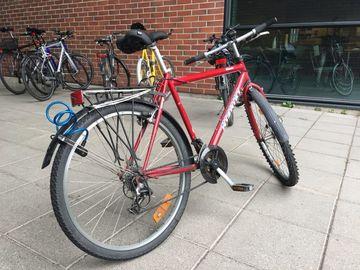 Myydään: Selling a bike