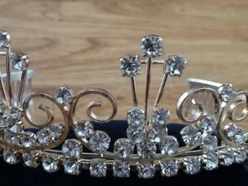 Ilmoitus: Strassi tiara