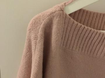 Myydään: sweater