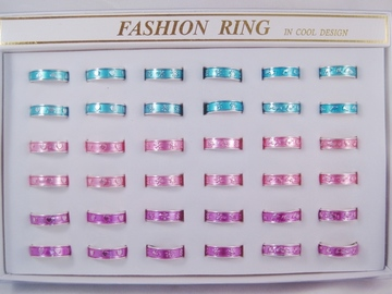Liquidation/Wholesale Lot: 360 Pieces Assorted Metal Rings in Display Boxes