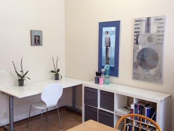 Renting out: Vuokrataan kalustettu työhuone 15.11 - 10.12.18
