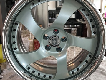 Selling: 18x9.5 HRE 542