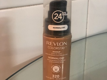Venta: Revlon Colorstay