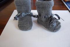 Vente au détail: chaussons bébé 0/6 mois couleur gris