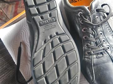 Myydään: Shoes (size 42)