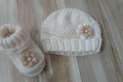 Vente au détail: Ensemble bonnet et chaussons pour bebe 0.1mois cachemire