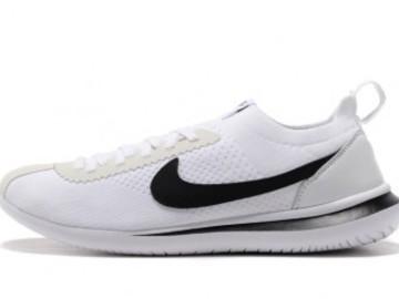 Vente avec paiement en ligne: Femme Nike Cortez Noir/Blanc