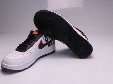 Vente avec paiement en ligne: Femme/Homme Nike Air Force 1 Blanc/Noir/Orange