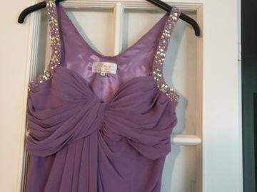 Ilmoitus: Italialaisen Noiva Groupin mekko kaasolle