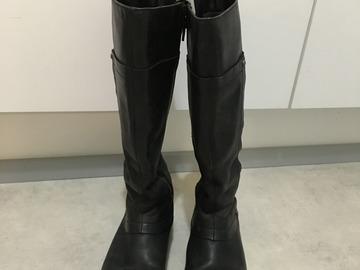 Myydään: boots
