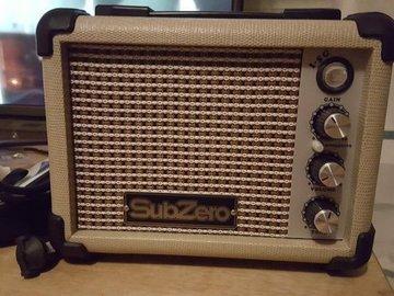 Myydään: Guitar Amp (5 watts)