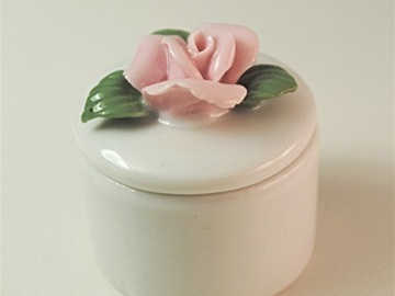 Buy Now: 200-- Porcelian Rose Trinket box-- less than $ .80 pcs