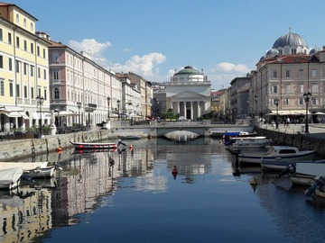 Offering with online payment: Trieste walking tour, city guide