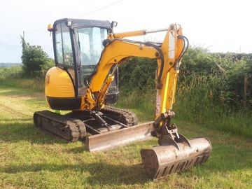 Daily Equipment Rental: JCB 2.5Te Excavator - self drive
