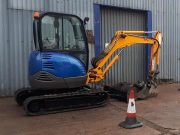 Daily Equipment Rental: JCB 2.5Te Excavator - operated