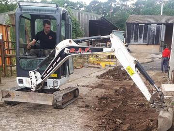 Daily Equipment Rental: Bobcat 1.5Te Excavator - operated