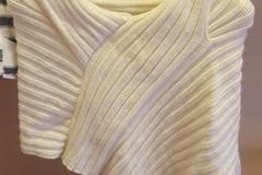 Ilmoitus: villainen valkoinen huivibolero