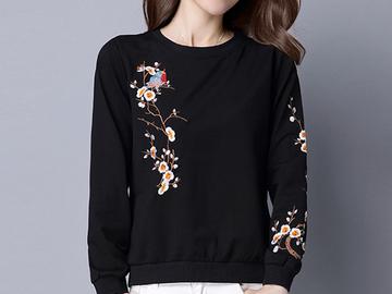 Vente avec paiement en ligne: Broderie t shirts femmes t-shirt lâche d'o-cou t-shirt noir
