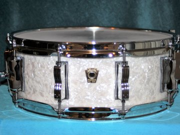 """Selling with online payment: 2016 Ludwig Classic Maple Snare Drum - 5"""" x 14"""" - White Mari"""