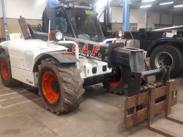 Daily Equipment Rental: Bobcat V518 Telehandler - Operated