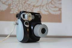 Ilmoitus: Polaroid-kamera elämäsi juhliin