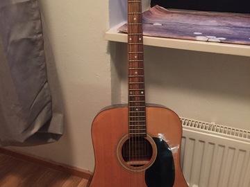 Myydään: acoustic guitar with dadario string